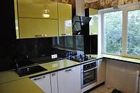 Угловая кухня под заказ глянцевые фасады желтого цвета