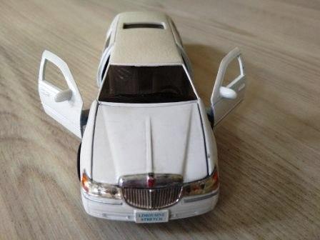 Лимузин LINCOLN (игрушка). Заказ ЛИМУЗИНОВ в Одессе от ДИВА.