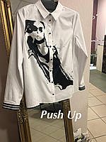 Женская блуза с принтом FRIDA от Noche Mio 6.887.Белая женская рубашка, фото 1