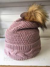 Темно - розовая молодежная шапка крупной вязки