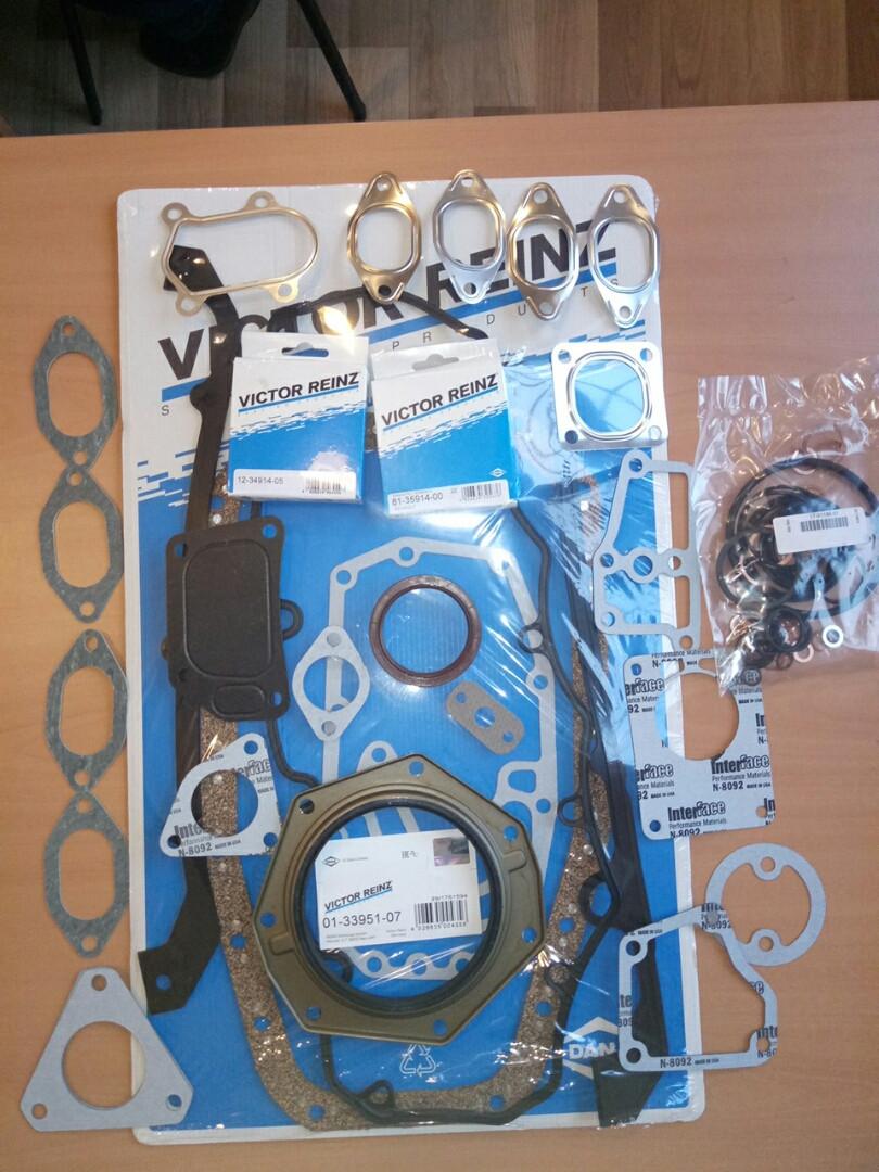 Комплект прокладок двигуна 2,8 IVECO VICTOR REINZ (без переднього сальника і прокладки ГБЦ) 01-33951-07