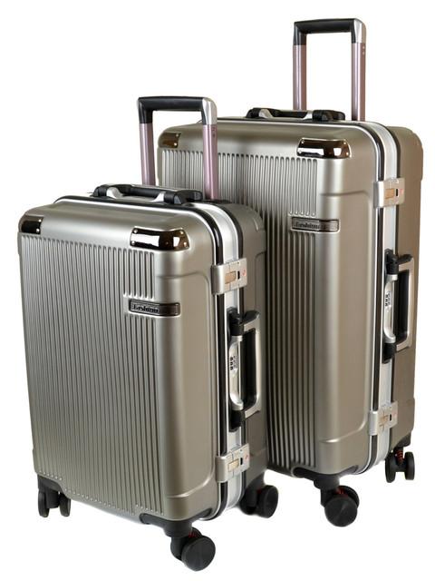 Дорожные чемоданы и саквояжи на колёсах