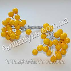 Калина средняя 8,5мм лаковая желтая, в пучке 50 ягод