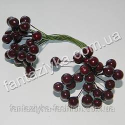 Калина средняя 8,5мм лаковая темно-коричневая, в пучке 50 ягод