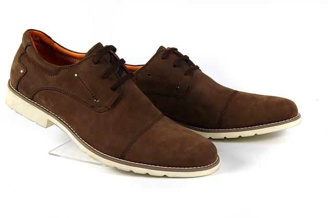 Стильні чоловічі коричневі туфлі з нубука на шнурках на білій підошві ANTONIO BIAGGI 924B13 знижка