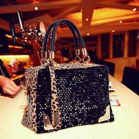 Черная сумка с леопардовыми вставками