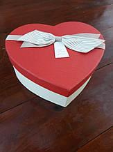 Коробка-серце з бантиком