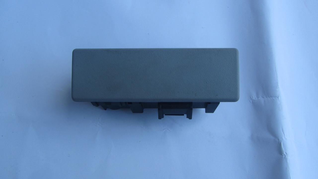 Замок ручка бардачка перчаточного ящика Dodge Caliber 1DN87BDAAB