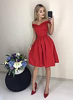 Женское нарядное красивое платье  с открытыми плечами с пышной юбкой красного цвета