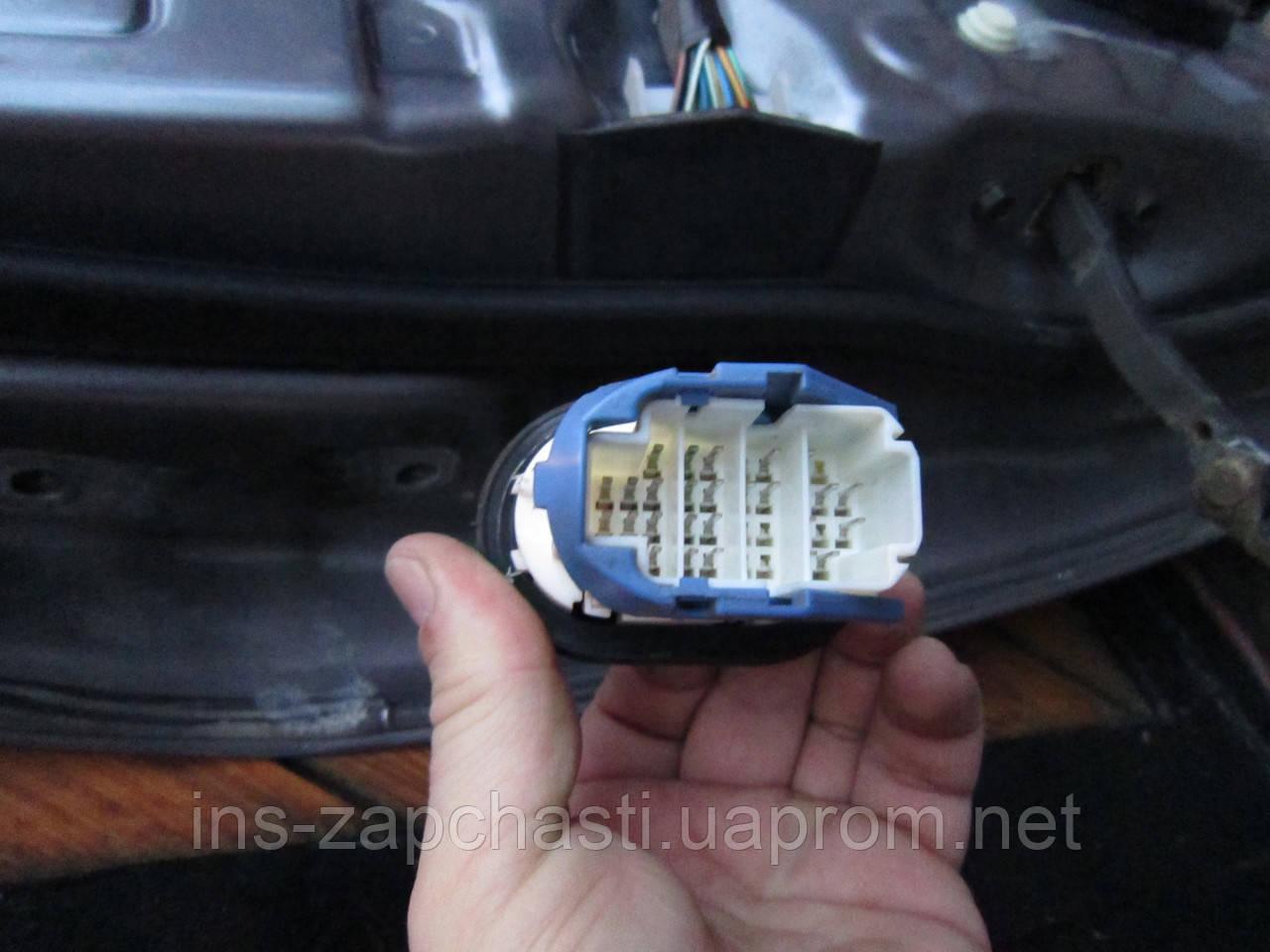 Электрическая проводка на переднюю правую дверь Mazda 6 02-07 г. 12 фишек 7135-8553