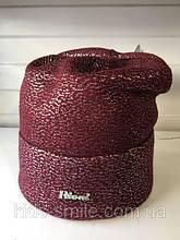 Женская бордовая шапочка с серебристым накатом