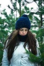 Какую вязаную шапку носить с паркой?