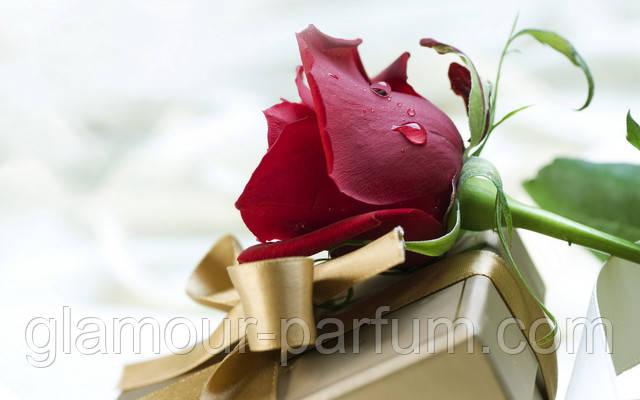 Найкращі подарунки іменинницям - косметика та парфуми