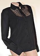 Черная женсккая блуза с кружевной кокеткой