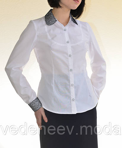 Белая женсккая блуза с кокеткой