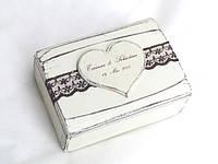 Белая шкатулка для ювелирных изделий