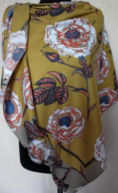 Женский палантин из пашмины с рисунком цветов