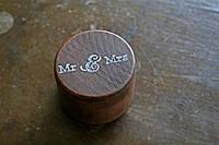 """Шкатулка для свадебных колец """"Mr & Mrs"""""""