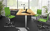 Кожаное кресло в офис в сочных цветах - Модель 70050