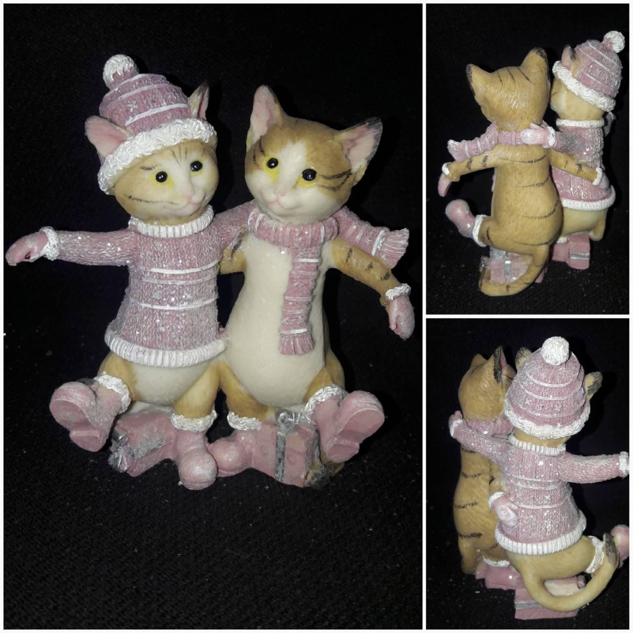 Милая парочка котиков, материал - поликерамика, выс. 11 см., 195 гр.