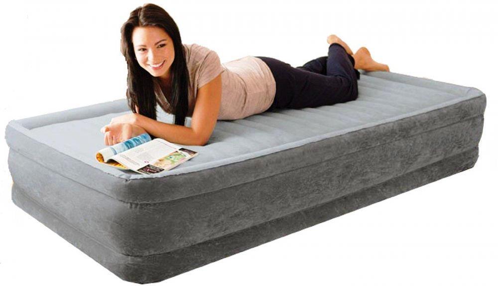 Односпальная надувная флокированная кровать Intex 67766 серая, со встроенным насосом 220V, 191х99х33 см