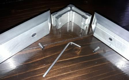 Угловой крепеж для трубы квадратной 15х15мм