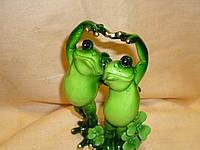 Пара лягушек декоративная статуэтка 14 сантиметров высота