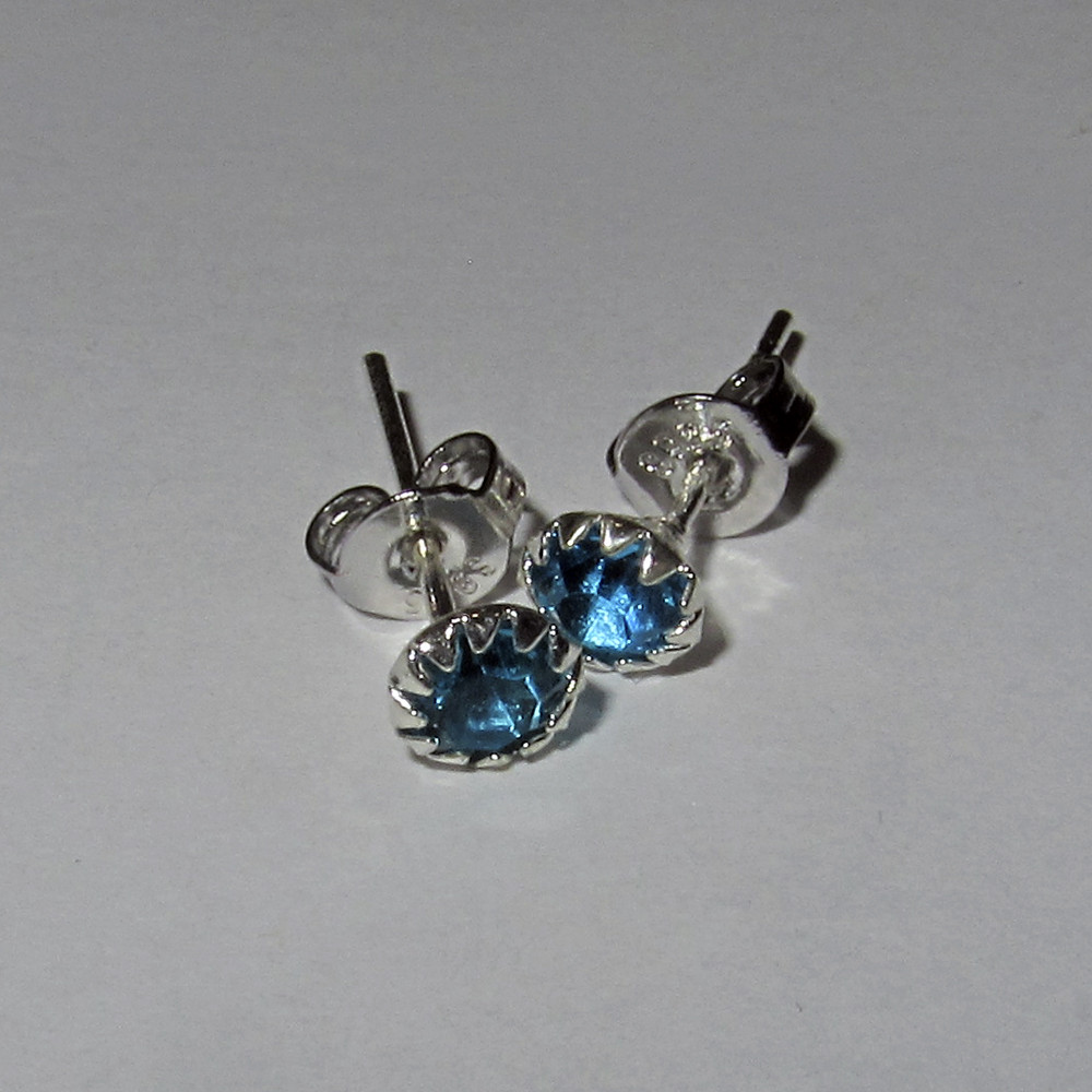 Серебряные серьги гвоздики голубые стерлинговое серебро 925 проба (1374), фото 1