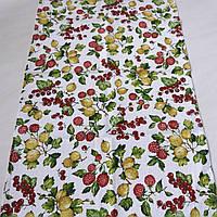 Готовое вафельное полотенце с крыжовником, малиной и красной смородиной на белом 45х70 см