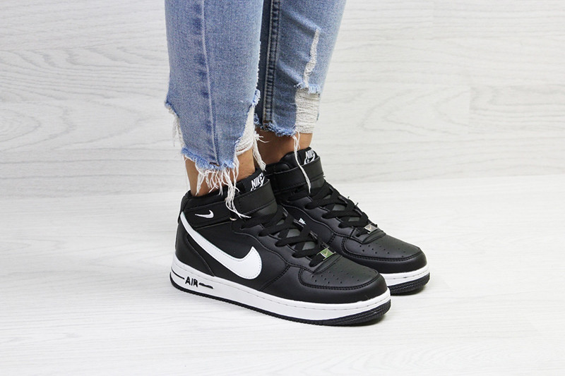 9fdee9c3 Кроссовки женские найк эйр форс зимние черно-белые с мехом (реплика) Nike  Air