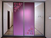 Встроенный шкаф-купе с фотополимерным рисунком розы на зеркале, фото 1