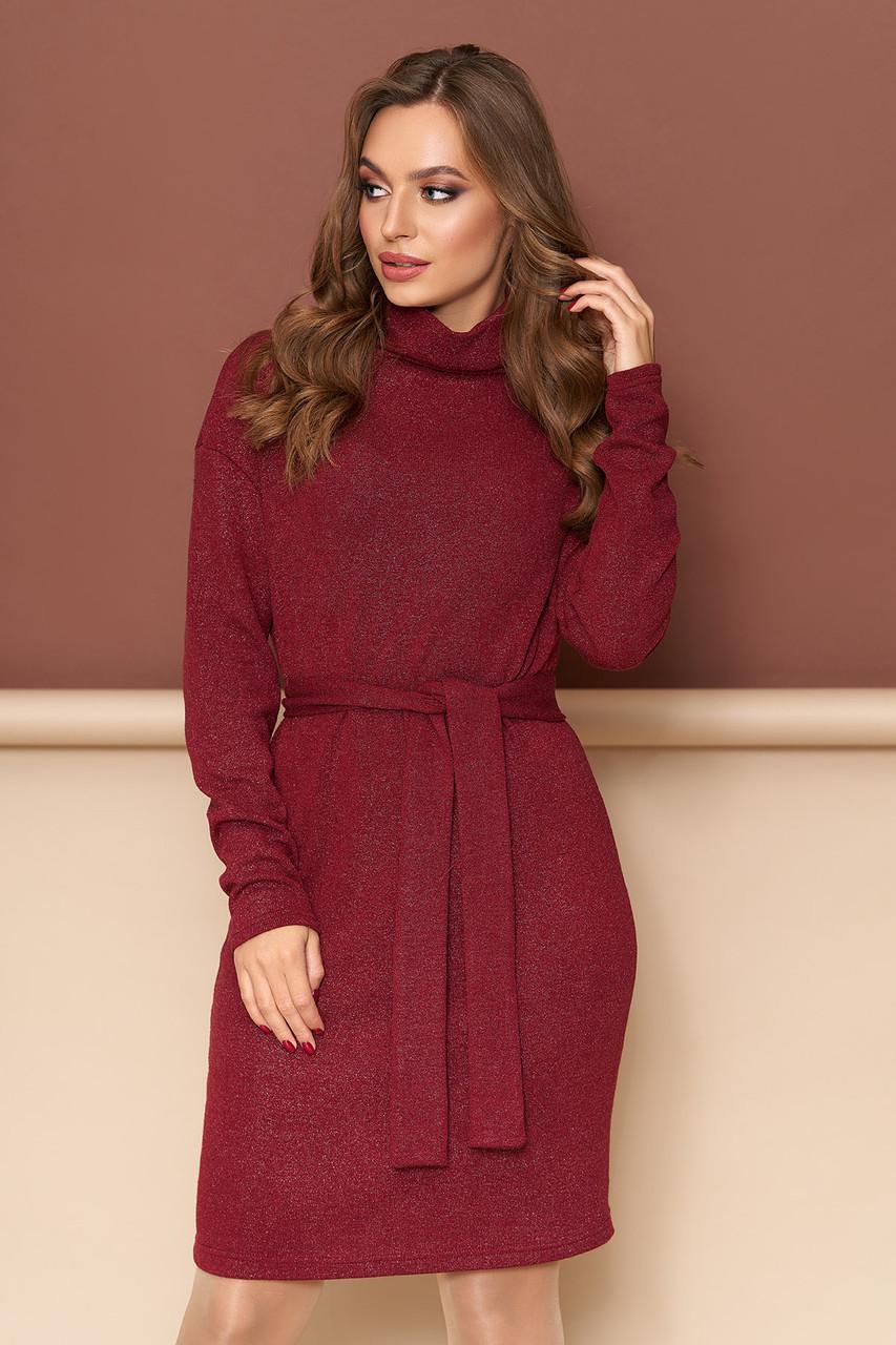 Теплое платье трикотажное из шерсти приталенное бордо
