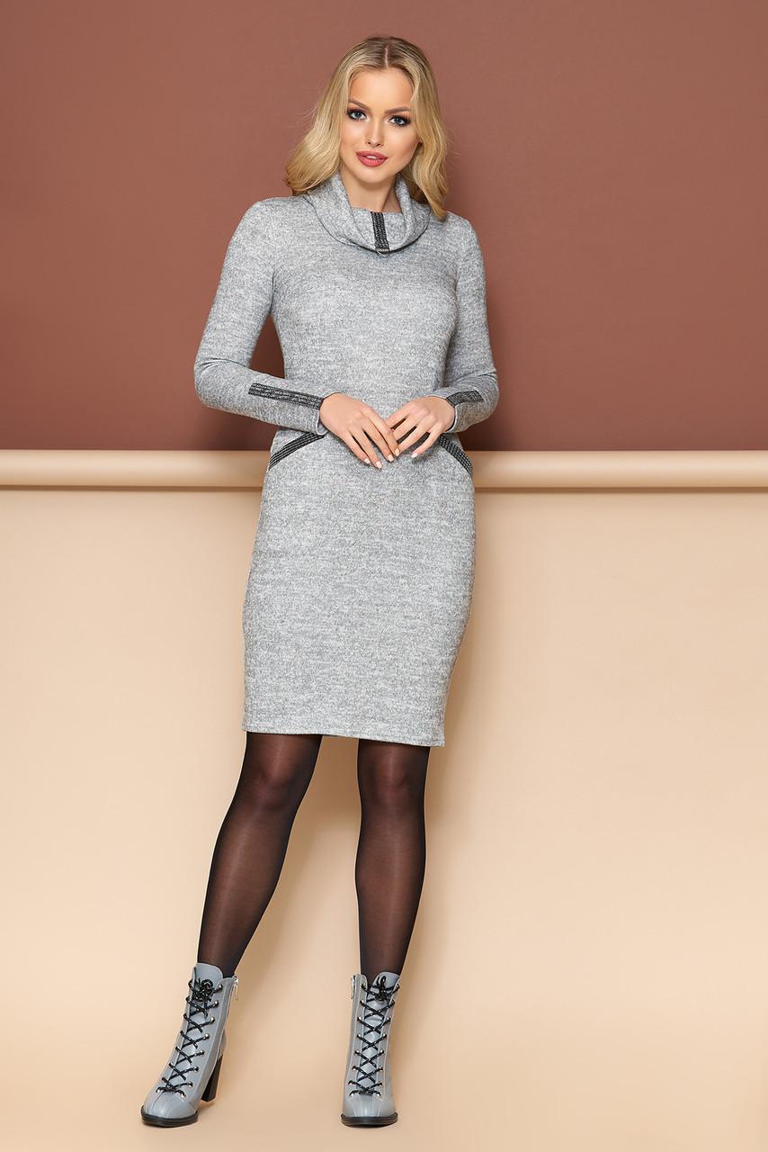 Осеннее платье с длинным рукавом