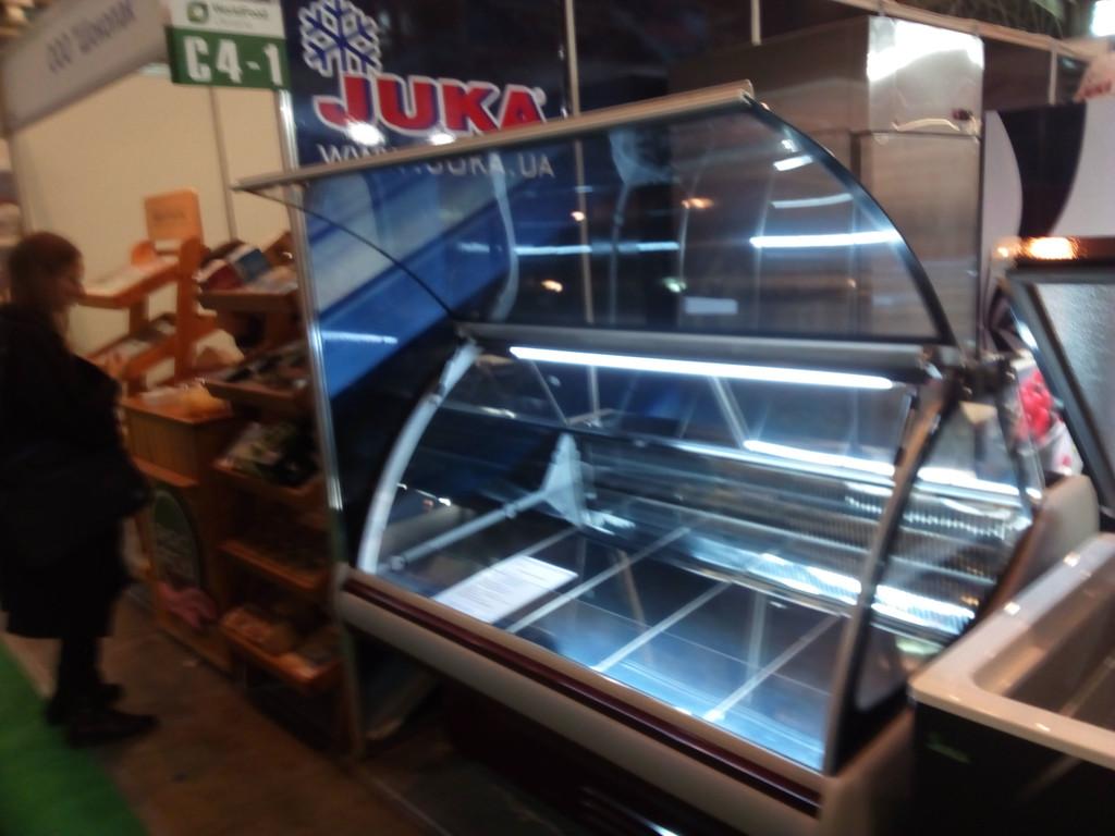 Холодильная витрина гастрономическая VGL 160 JUKA на  выставке торгового оборудования