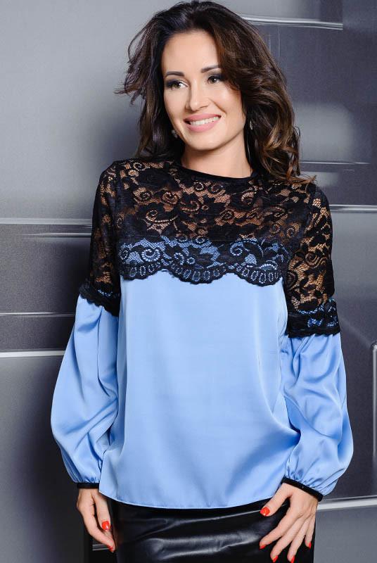 Голубая блузка для офиса Мери,