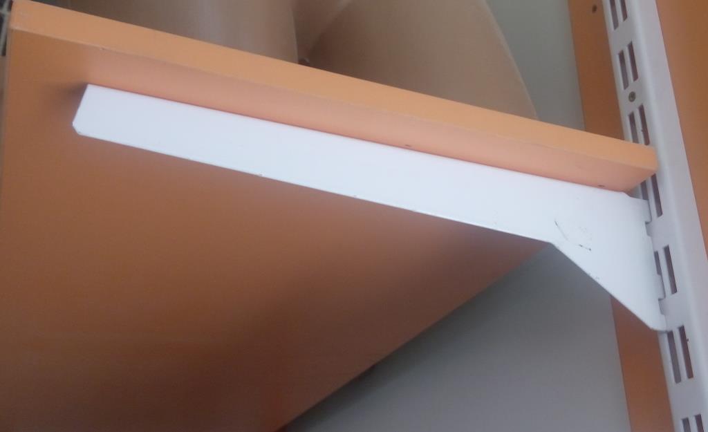 Кронштейн полкотримач 300мм для полки ДСП в рейку виробництво Україна