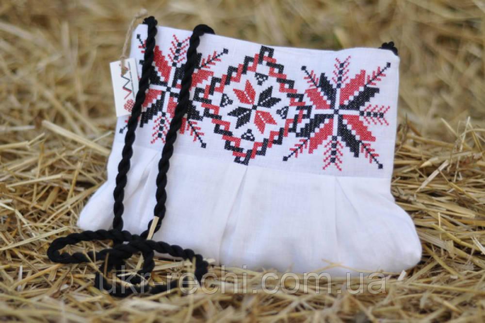 Белый клатч для с вышивкой
