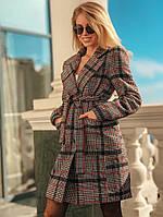 Женское пальто из букле в клетку