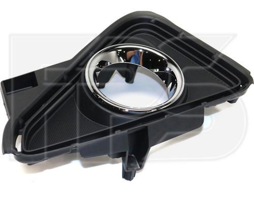 Решетка в бампере Toyota Rav4 '16-19 правая (с отв.) (FPS) 520300R030