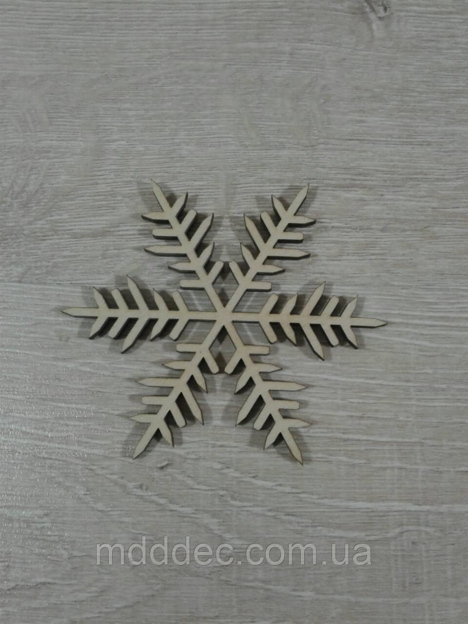 Снежинка новогодняя