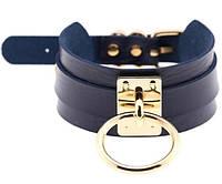 Чокер, ремешок широкий с подвеской кольцо, цвет фурнитуры - золото