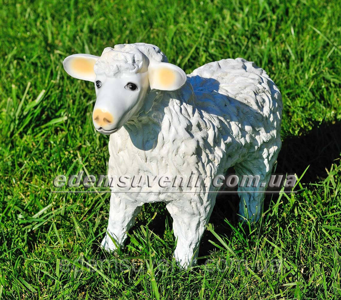 Садовая фигура Овца малая