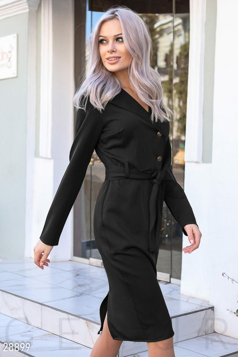Облегающее платье-миди черного цвета с поясом