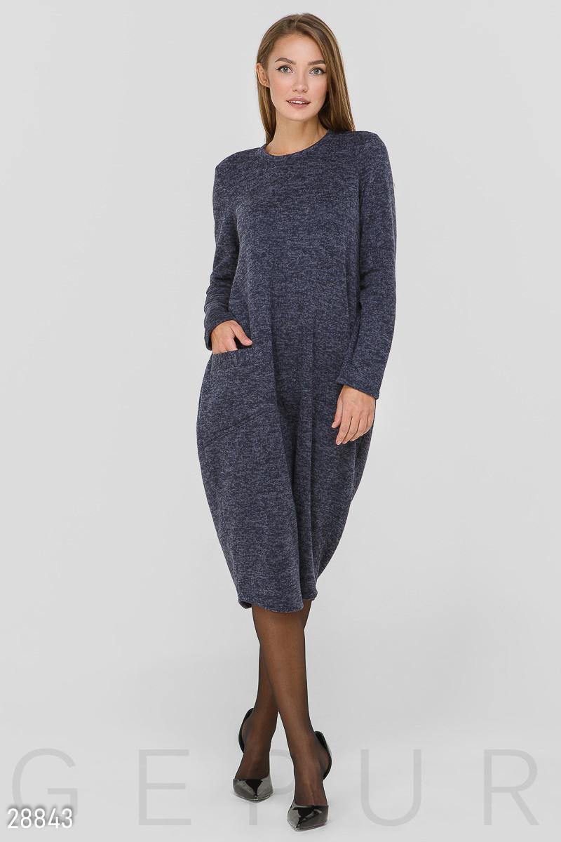 Платье-миди свободного кроя синего цвета