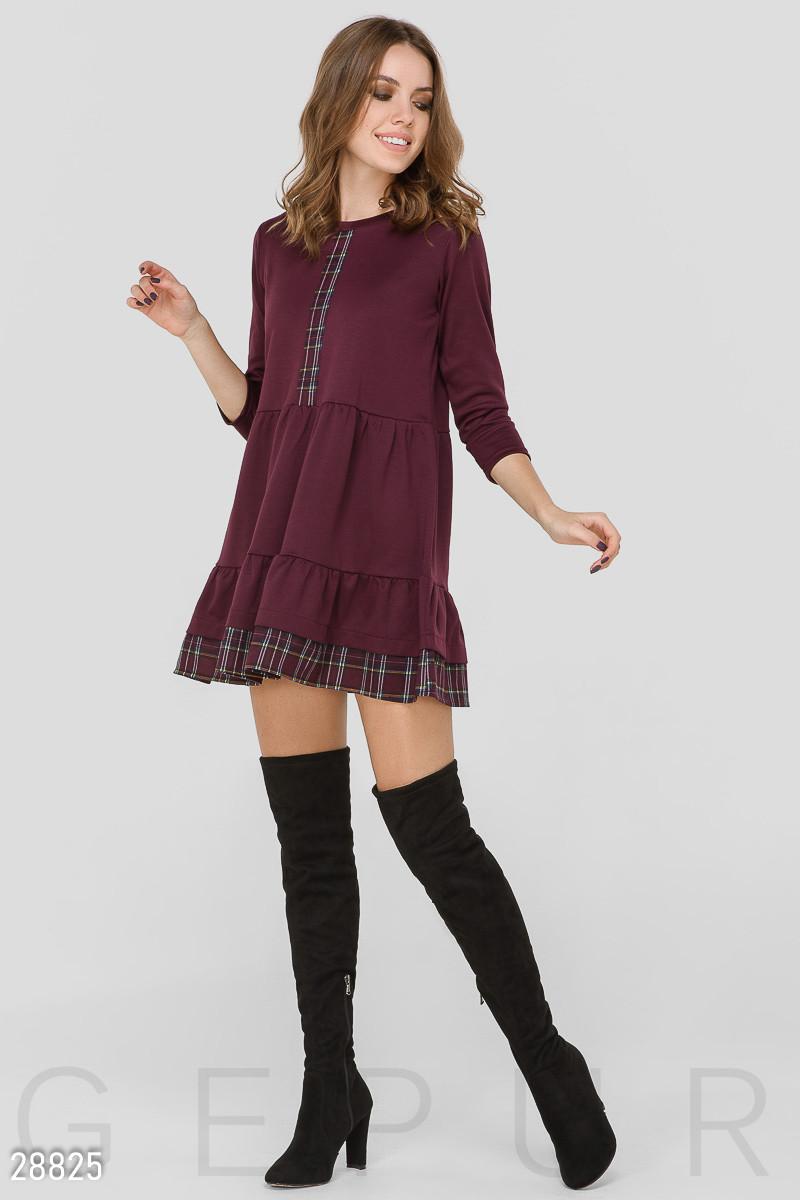 Красное трикотажное платье-мини свободного кроя