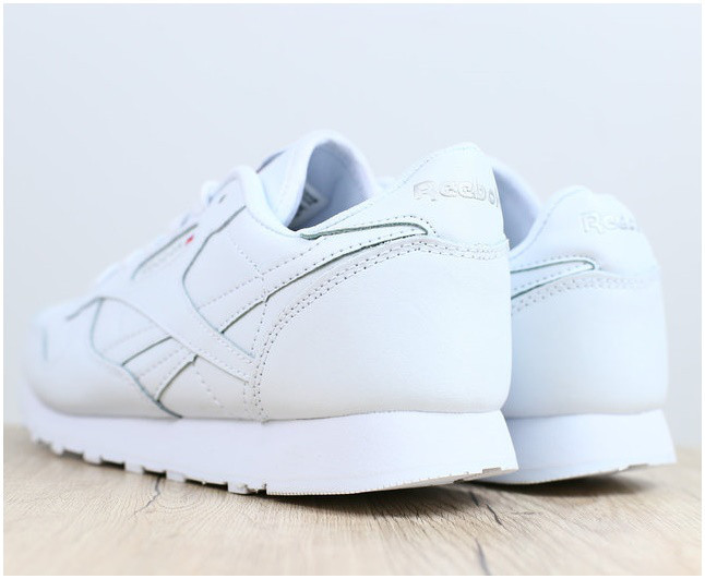 Удобные белые кожаные женские кроссовки Reebok в.31пк40бел  продажа ... fc8271486bc