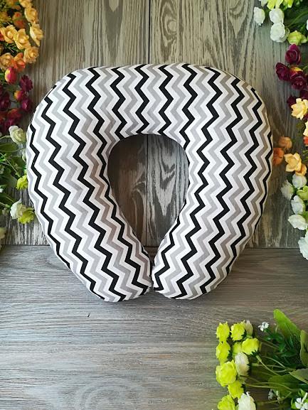 Автомобильная подушка зигзаг черно-серый , 41 см * 34 см