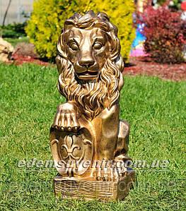 Садовая фигура Лев с правым щитом