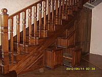 Лестница деревянная,поворотная с ящиками