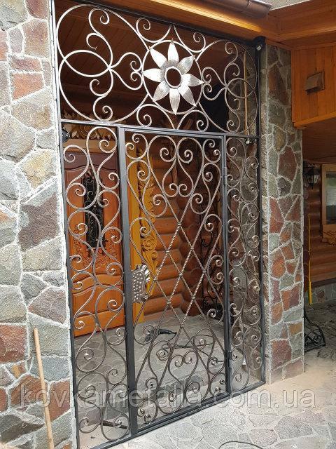 Кованая решетчатая дверь 4